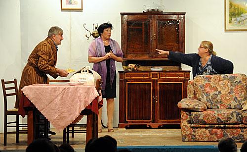 Teatro dialettale - Compagnia Cvì de' mi Paës di Vecchiazzano - NA FAMEJA SGANGARÊDA